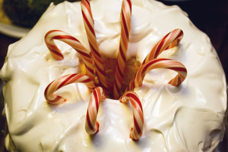 Pin Peppermint Meringue Cake With Chocolate Buttercream « Ninebunnies ...